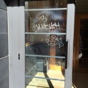 Eliminación graffiti en Ayuntamiento